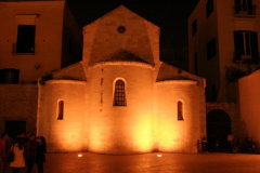 Auditorium Diocesano Vallisa w Bari - romański kościółek przekształcony w salę koncertową, miejsce koncertów Międzynarodowego Festiwalu Muzyki Uniwersyteckiej. Foto: Artur Mikołajewski