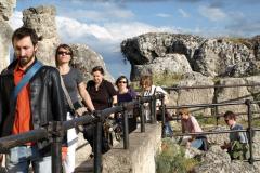 Jeszcze wyżej, między skałami,... Foto: Jerzy Ratajczak
