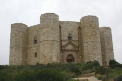 Castel del Monte - matematyka i astronomia zaklęte w kamieniu na życzenie cesarza Fryderyka II, drugi zabytek Apulii na liście UNESCO. Foto: Piotr Maculewicz
