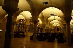 W podziemiach - krypta z relikwiami św. Mikołaja, zrabowanymi jeszcze w średnowieczu. Foto: Piotr Maculewicz