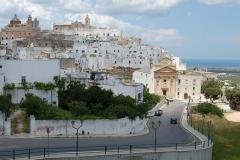 Ostuni - cudne białe miasto na wzgórzu, obowiązkowy punkt wycieczek po Apulii. Foto: Krzysztof Chojnowski