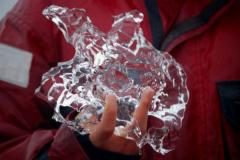 ...kawałki lodu sprzed setek tysięcy lat. Foto: Anna Potapowicz