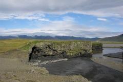 Za nami, na północy, wśród chmur majaczy cielsko lodowca Mýrdalsjökull. Foto: Andrzej Borzym jr