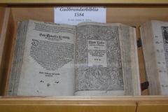 Jednym z eksponatów jest egzemplarz najstarszego wydania Biblii w języku islandzkim. Foto: Andrzej Borzym jr