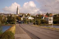 Z każdego niemal miejsca widać kościół Hallgrímskirkja, najwyższy budynek stolicy. Foto: Anna Potapowicz