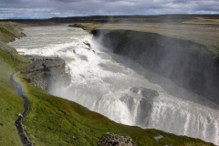Gulfoss - jeden z największych wodospadów Islandii, obowiązkowy punkt programu wszystkich wycieczek. Foto: Andrzej Borzym jr