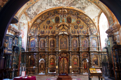 …to cerkiew z bogatym ikonostasem, w której modlą się tutejsi Serbowie. Fot. Artur Mikołajewski