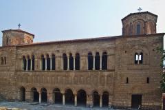 Fasada cerkwi, ukryta między domami. Fot. Artur Mikołajewski