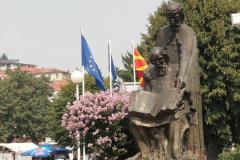 Na jednym końcu deptaku – pomnik świętych Cyryla i Metodego,… Fot. Ancja Łabuszewska