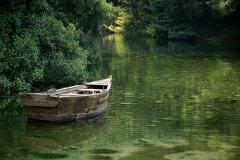 Do Jeziora Ochrydzkiego nie wpada żadna rzeka, choć wypływa z niego Czarny Drin. Zatem skąd tu woda? Fot. Anna Potapowicz