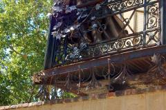 Z boku na sławną świątynię spogląda blaszany Franciszek Liszt. Fot. Anna Potapowicz