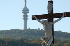…na wieżę telewizyjną – to już wzgórza Mecsek, sięgające niemal 700 m n.p.m. Fot. Anna Potapowicz