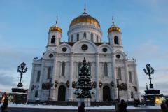 Trafiamy dalej do prawosławnej katedry Chrystusa Zbawiciela, zbudowanej w latach 1839-1883, wysadzonej w 1931 r. pod budowę Pałacu Sowietów, który jednak nigdy nie powstał, więc w latach 1958-1994 był tu wielki odkryty basen. W 2000 r. poświęcono odbudowaną świątynię. Fot. Piotr Węgiełek