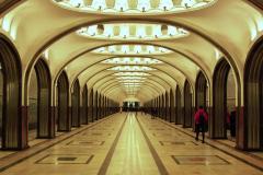 Wreszcie Majakowskaja (1938) – jedna z najpiękniejszych stacji metra na świecie, marmurowo-stalowa modernistyczna wizja przyszłości Związku Radzieckiego, inspirowana poezją Włodzimierza Majakowskiego. Fot. Piotr Węgiełek