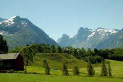 U wrót głębokiej zielonej doliny. Foto: Anna Potapowicz