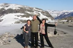 Zarząd zespołu z dyrygentem – spotkanie faktycznie na szczycie. Foto: Ancja Łabuszewska