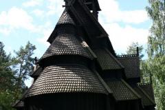 Drewniany kościół słupowy z czasów średniowiecza, tzw. stavkirke. Foto: Maria Boratyńska
