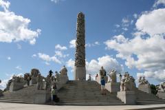 …z centralnym Monolitem, składającym się ze 121 nagich postaci. Foto: Maria Boratyńska