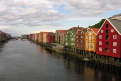 Kolorowe domy, prawie jak z dziecięcego rysunku…  Foto: Piotr Gawroński