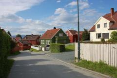 …i drewniane domki przy stromych ulicach. Foto: Andrzej Borzym