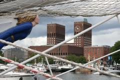 Wysokie wieże modernistycznego ratusza to jeden z symboli stolicy Norwegii i portu. Foto: Maria Boratyńska