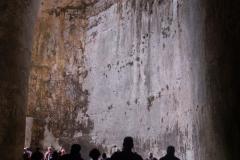 …naturalna jaskinia w wapiennej skale, sławna z niezwykłej akustyki. Fot. Anna Potapowicz