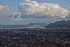 …i panoramę wciąż jeszcze słonecznego Palermo. Fot. Artur Mikołajewski