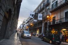 …zaczyna swój bieg główna ulica starego Palermo – Via Vittorio Emanuele. Fot. Artur Mikołajewski
