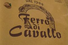 Dobry człowieku! Ileż razy wypiliśmy za Twoje zdrowie, dziękując Ci za wskazanie Ferro di Cavallo,… Fot. Maria Boratyńska