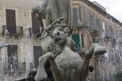 Fontanna Diany na placu Archimedesa. (Od wczoraj prześladują nas konie – właściwie dlaczego?) Fot. Artur Mikołajewski