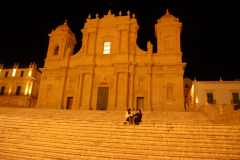 …pełne monumentalnych schodów (katedra),… Fot. Anna Potapowicz