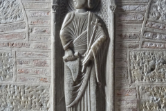 ...ale za to rzeźby, epitafia, krypta,... Fot. Iwona Januszkiewicz-Rębowska