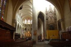 ...bo asymetrycznej, składającej się tak naprawdę z dwóch niedokończonych kościołów z XIII w. Fot. Anna Potapowicz
