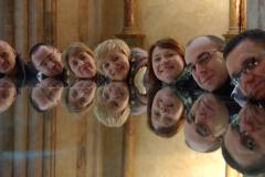 ...za pomocą umieszczonego wokół kolumny wielkiego lustra. Fot. Anna Potapowicz