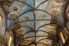 ...do kaplicy karmelitów z barokowymi malowidłami na sklepieniu. Fot. Ancja Łabuszewska