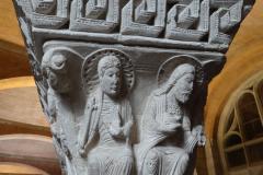 ...są przepiękne średniowieczne kapitele kolumn z miejscowych kościołów. Fot. Ancja Łabuszewska