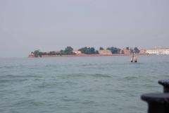 Z Lido co dzień wyruszaliśmy odkrywać inne wyspy weneckiej laguny. Szczególnie interesowała nas cmentarna wyspa Św. Michała.  Foto: Andrzej Borzym